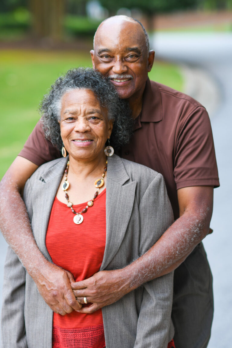 Kansfonds - Elderly African American Man and woman posing together