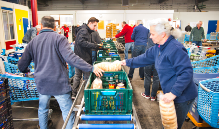 Kansfonds - Kratjes bullen bij de voedselbank