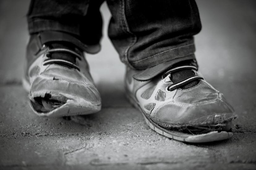 Afbeelding kapotte schoenen