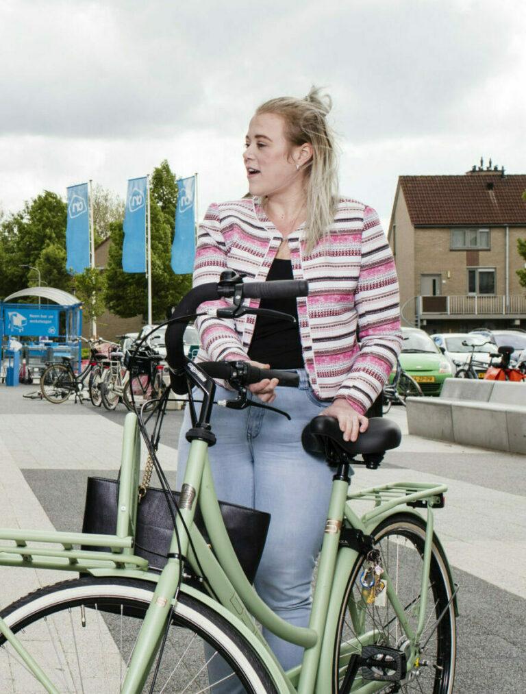kamers met aandacht - meisje met fiets